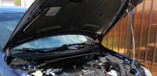 Jak wymienić akumulator w samochodzie? Poradnik krok po kroku