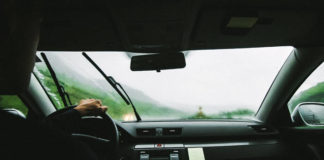 Jakie wycieraczki do samochodu kupić? Na co zwrócić uwagę?