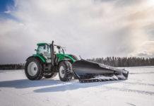 Bezzałogowy ciągnik Valtra na oponach Nokian Tyres pobił rekord świata w prędkości odśnieżania